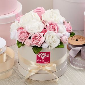 Medium Baby Clothes Bouquet Baby Girl in a Luxury Keepsake Hatbox